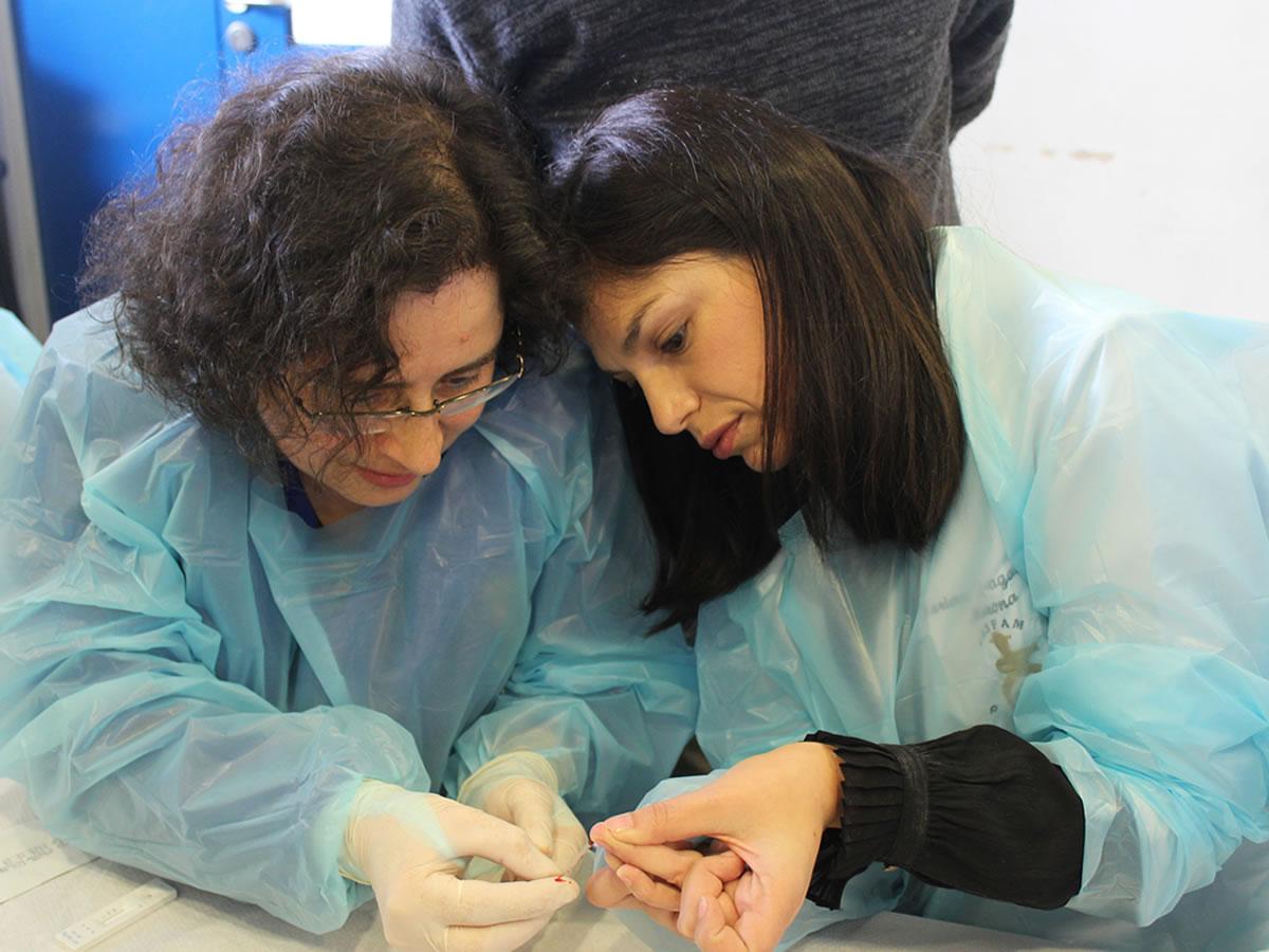 Capacitación equipos de salud en test rápido de VIH en Ñuble